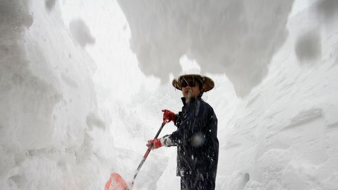 сильні снігопади обрушилися на Японію