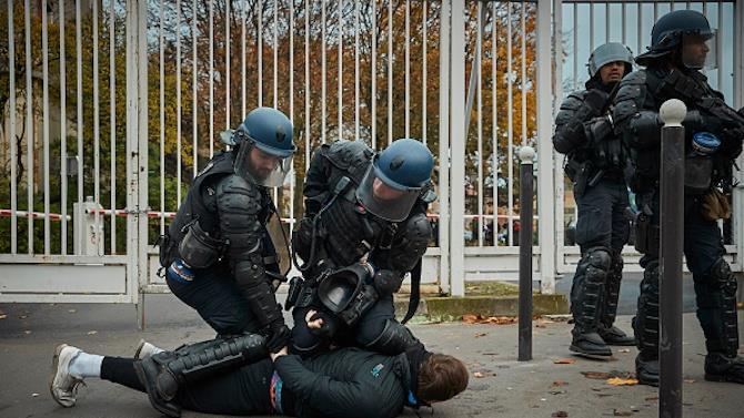 за порушення заходів безпеки арештувала 5 осіб