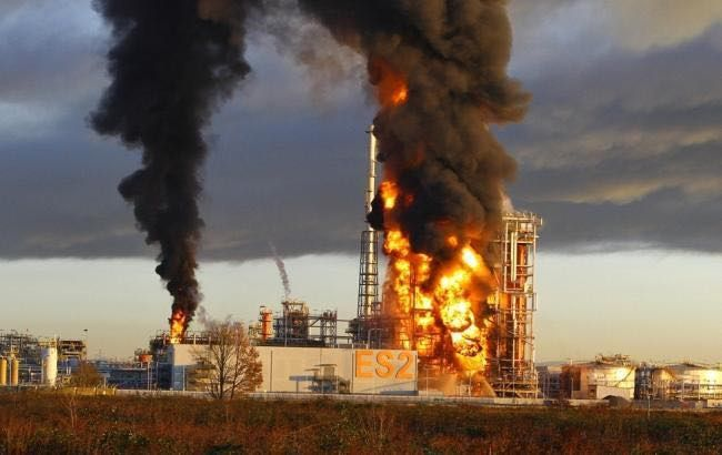 вибух на нафтопереробному заводі в ПАР