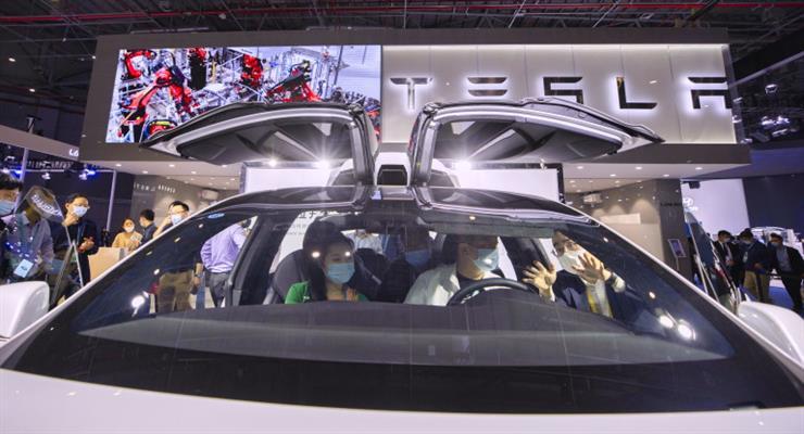 Tesla поставила рекордну кількість автомобілів в 2020 році