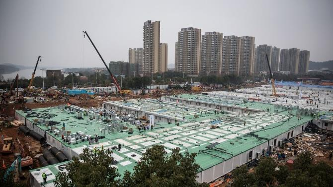 Китай строит временные больницы