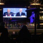 Коронавірус: Трамп знімає заборону на в'їзд іноземців до США, Байден готується до відновлення