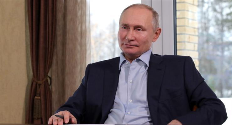 Путін спростовує факти з фільму
