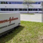 Johnson & Johnson запросила срочное одобрение своей вакцины против COVID-19 в США