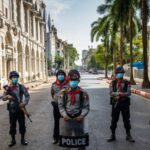 Поліція столиці М'янми обстріляла протестуючих гумовими кулями