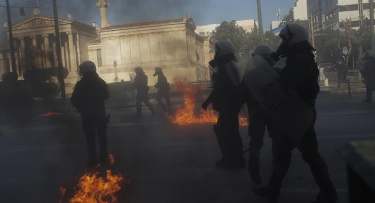 поліцейські постраждали від протестуючих
