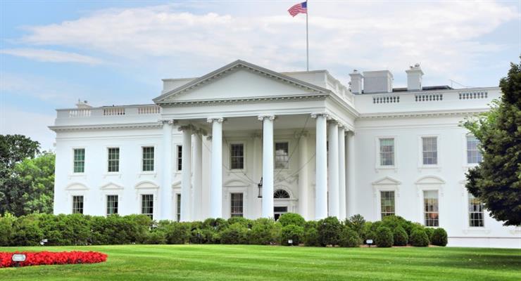 Суга стане першим іноземним лідером, який зустрінеться з президентом Байденом в Білому домі