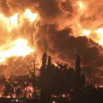 Десятки поранені і 950 евакуйовані після вибуху на нафтопереробному заводі в Індонезії