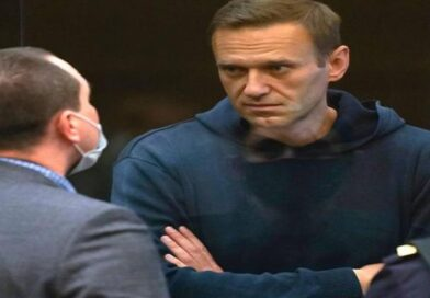 профіль матері Навального в Facebook заблокували