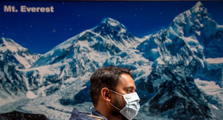 коронавірус на Евересті