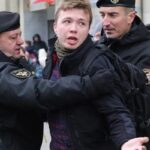 Задержанный в Минске самолет освобожден, за Протасевичем следили в Афинах