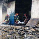 52 людини загинули в результаті пожежі на заводі в Бангладеш