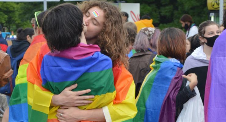судебное решение за ущемление однополых браков