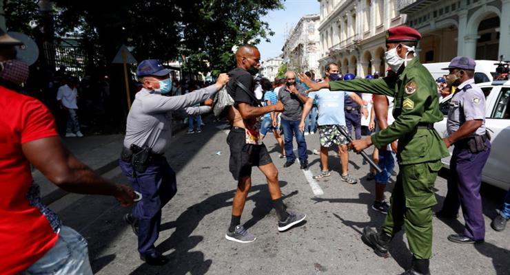 ККуба звинувачує Штати в фінансуванні протестів