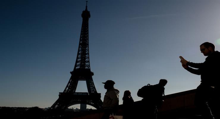 Ейфелева вежа відкрита для відвідувачів