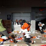 Не менше 32 людей загинули в результаті заворушень в ПАР
