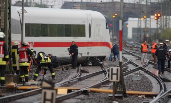 поїзд зійшов з рейок