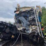 Двоє загиблих і кілька десятків поранених в результаті зіткнення пасажирських поїздів у Чехії