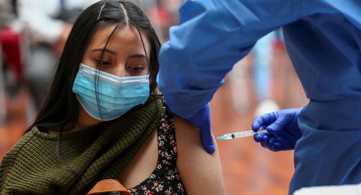 Еквадор хоче виробляти російську вакцину від коронавіруса