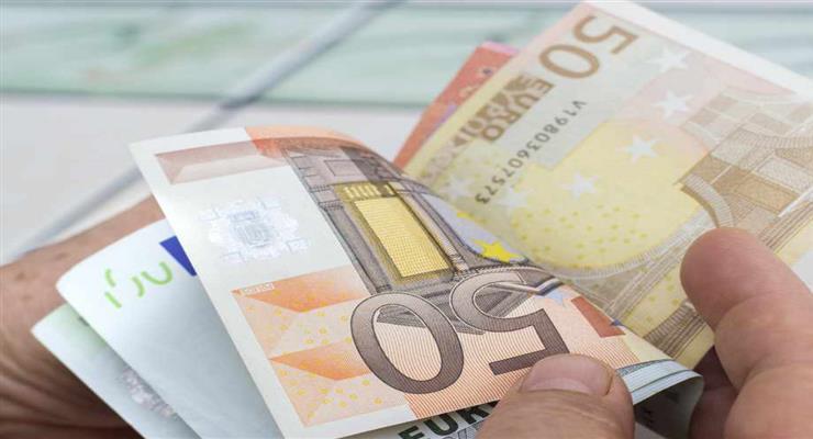 Еврокомиссия замораживает часть субсидий ЕС для Чехии