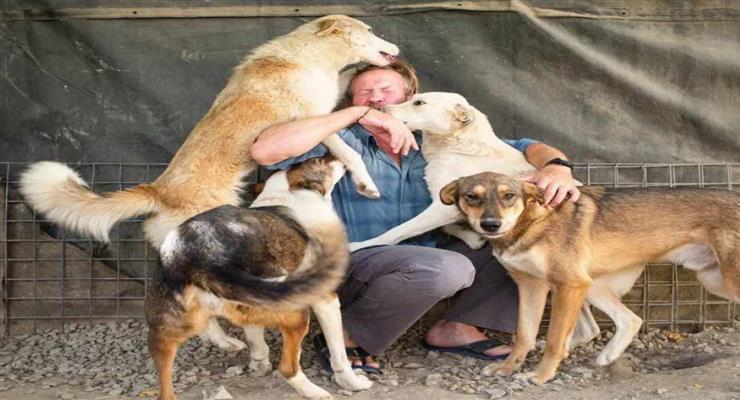 британець відмовився покинути Афганістан без своїх тварин