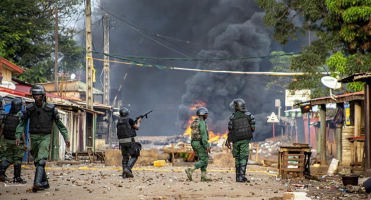 повстанці заарештували президента Гвінеї Альфа Конде