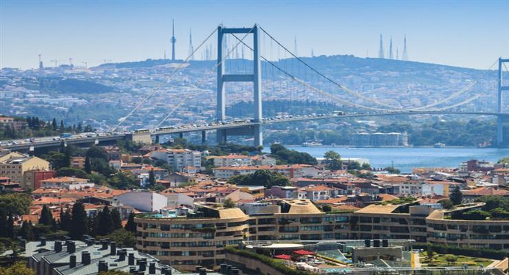 школярі в Туреччині повертаються в класи