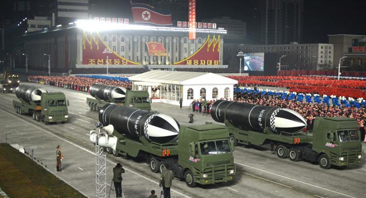 нічним військовим парадом КНДР відзначила своє 73-річчя