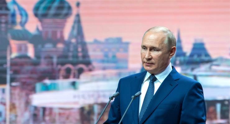 Путін ізолює себе після позитивного тесту на COVID-19 в його оточенні