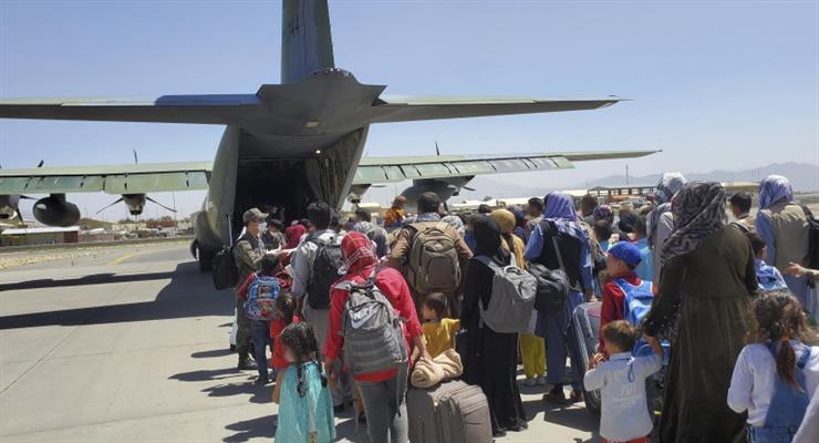 США продовжують виводити американських та інших громадян з Афганістану
