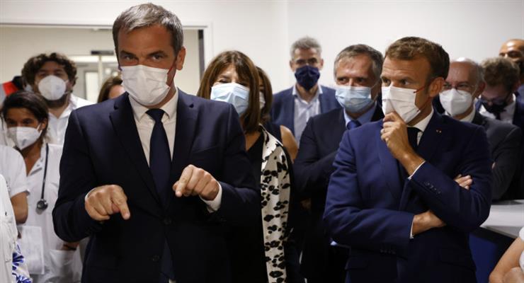 Во Франции уволено 3000 медицинских работников, не вакцинированных против Covid