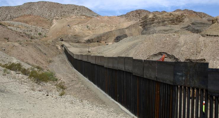 кількість затриманих мігрантів на кордоні США і Мексики досягло максимуму за 20 років
