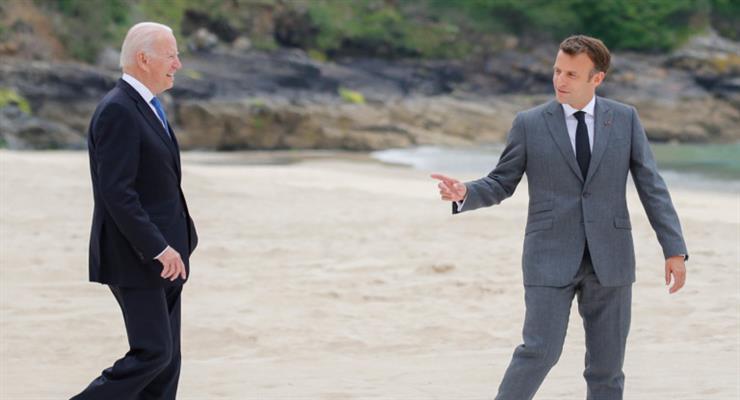 Франція звинувачує Байдена в тому, що той завдав їй удар в спину через розрив контракту з австралійської підводним човном