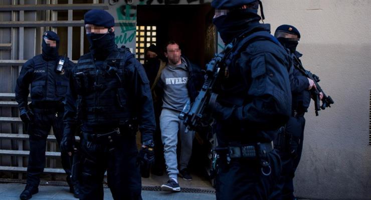 В Испании и Италии арестовано 106 человек, отмывавших деньги для мафии