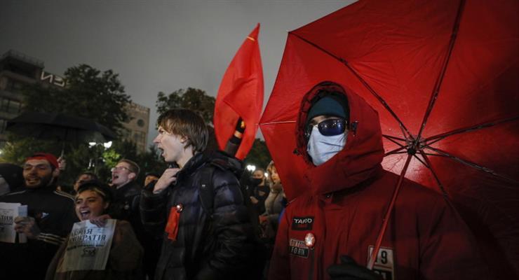 протесты в Москве против фальсификации результатов парламентских выборов в России