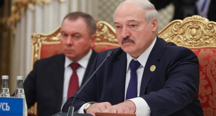 Лукашенко передасть частину повноважень уряду і місцевій владі