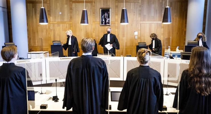 голландский суд разрешил сделать вакцинацию 12-летнему ребенку