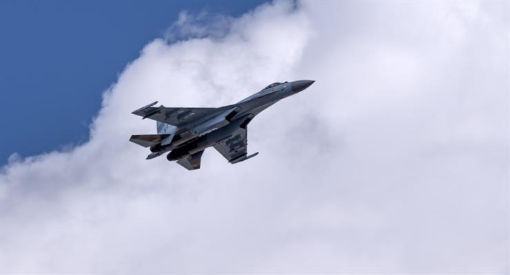 Росія підняла винищувачі над Тихим океаном через американського бомбардувальника