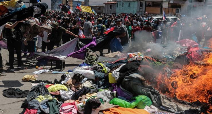 Намети мігрантів з Венесуели зазнали нападу в Чилі