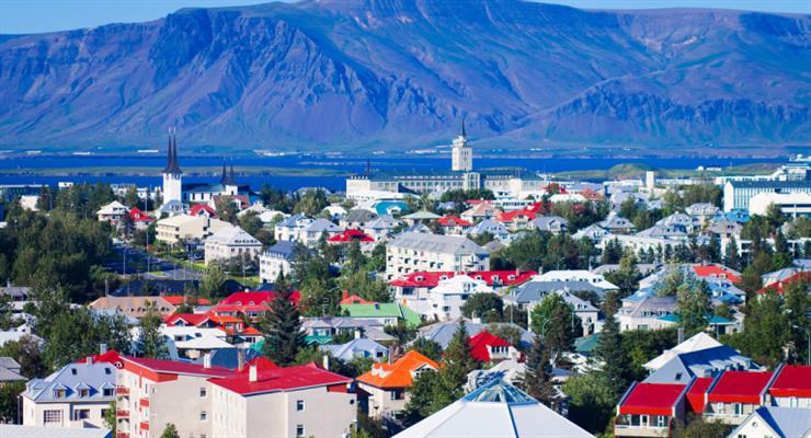 в Ісландії обраний парламент з переважанням жінок