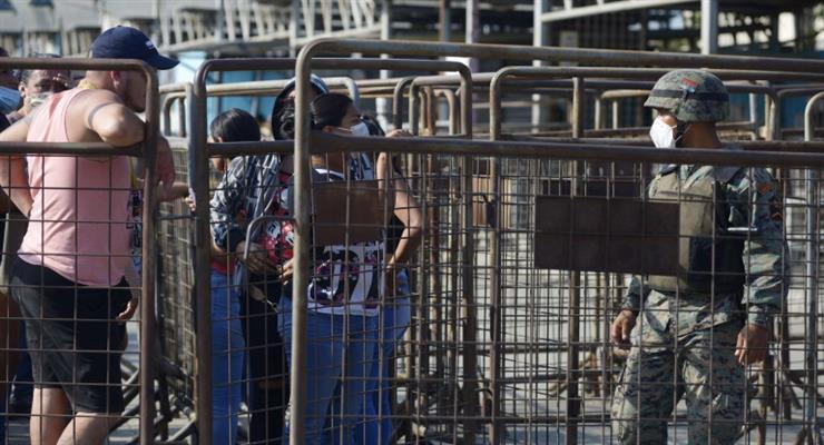 Щонайменше 30 людей убито і кілька десятків поранені в бандитській сутичці в тюрмі Еквадору