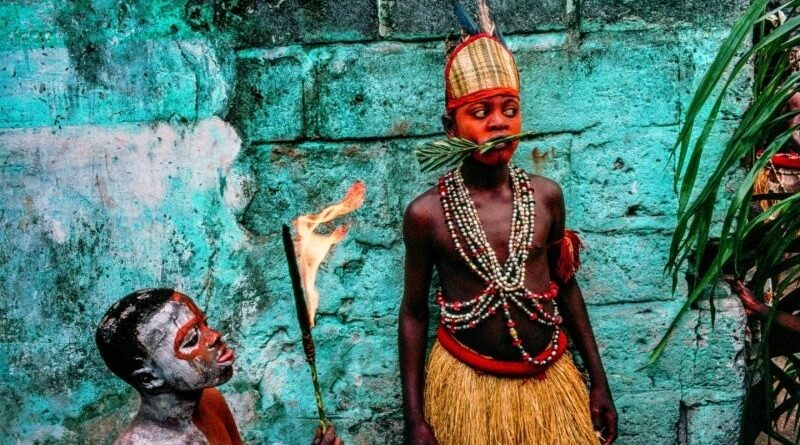в Конго заживо спалили вісім обвинувачених у чаклунстві жінок