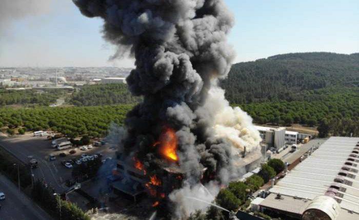 пожежа на хімічному заводі в Стамбулі