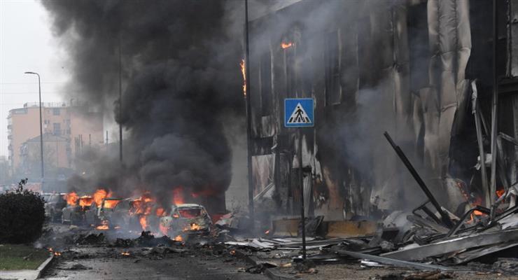 У Мілані розбився літак з вісьмома людьми на борту