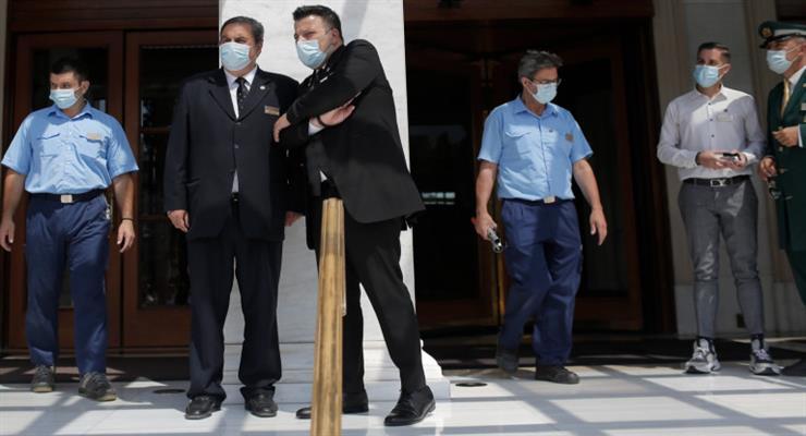 Греція розглядає нові заходи по боротьбі з коронавірусів - в програші залишаються нещеплені