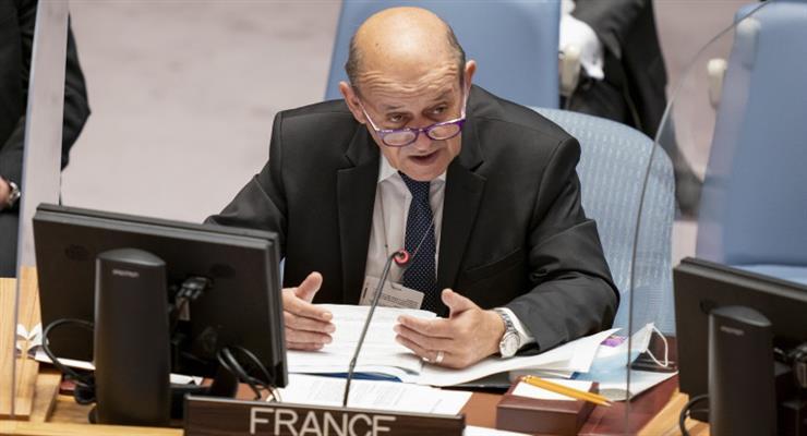 Франція повертає посла в Австралію