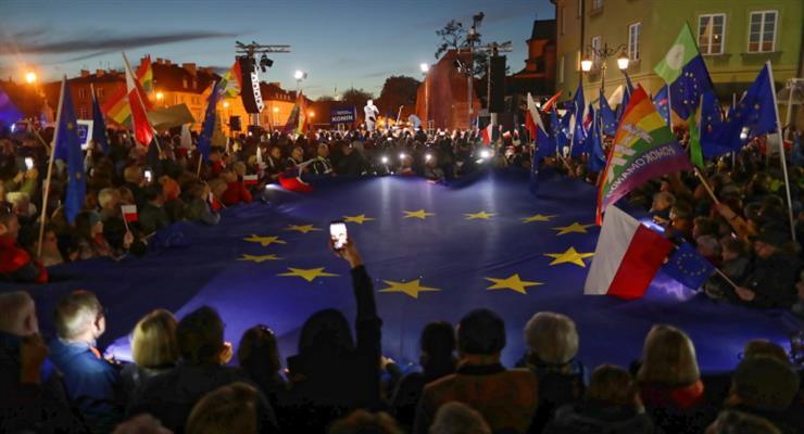 Тисячі жителів Варшави підтримали членство Польщі в ЄС