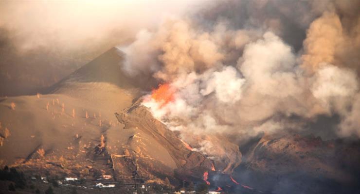 Ще 700 осіб були евакуйовані на острові Ла Пальма через нову активності вулкана Кумбре-Велья