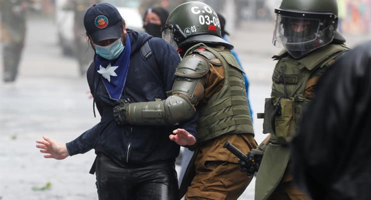 в Чилі введено надзвичайний стан через конфлікт з корінним народом в 4 провінціях