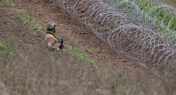 Латвія продовжує надзвичайний стан на кордоні з Білоруссю